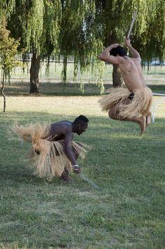 Harcművészet fűszoknyában :)