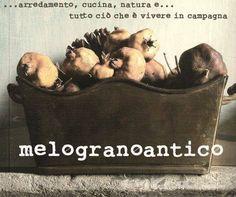 Collaborazione Melogranoantico sul mio blog http://monicu66.blogspot.it/2013/12/il-profumo-in-borsetta-con.html#comment-form