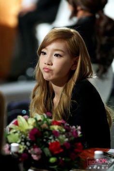too cute~ #taeyeon #snsd