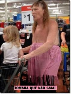 Extremely Amusing People of Walmart Photos That Will Make Your Day! People Of Walmart, Go To Walmart, Only At Walmart, Walmart Humor, Walmart Shoppers, Walmart Stores, Walmart Pictures, Funny Pictures, Crazy People