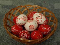 Bílo-červená velikonoční