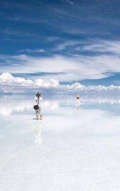 Salar de Uyuni salt flat in Bolivia http://www.travelbrochures.org/252/south-america/travel-the-incredible-bolivia