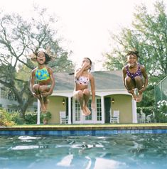 Swimmer load capacity in a swimming pool can be figured out using a few general pool industry guidelines.