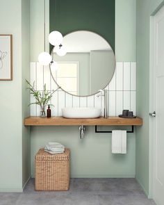 Mint Bathroom, Art Deco Bathroom, Bathroom Design Small, Bathroom Interior Design, Bathroom Design Inspiration, Bad Inspiration, Toilette Design, Estilo Interior, Restroom Design