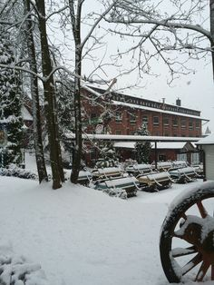 Hausansicht des AKZENT Hotel Brüggener Klimp zur Winterzeit.