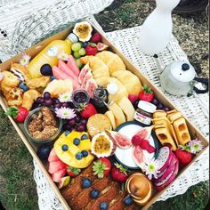 Sunday's are for brunch...and shopping! #pearlsand Party Platters, Cheese Platters, Fruit Platters, Catering Platters, Breakfast Catering, Breakfast Platter, Breakfast Picnic, Vegan Appetizers, Appetizers For Party