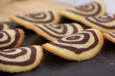 This French classic tuiles recipe appears as the technical challenge in the Biscuits & Traybakes episode of Season 2 of The Great British Baking Show. # british Baking French Classic Tuiles with Chocolate Mousse Recipe British Baking Show Recipes, British Bake Off Recipes, Baking Recipes, Cookie Recipes, Dessert Recipes, British Desserts, French Recipes, Scottish Recipes, Nutella Recipes