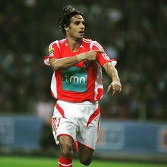 Quero deixar aqui meus parabéns a esse craque como jogador, líder e amigo Nuno Gomes... Que Deus abençoe sempre!