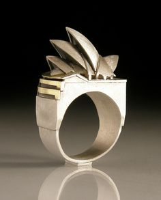 VICKY AMBERY-SMITHGOLDSMITHS' FAIRThis week I'll be sharing some of the designers I'd love to see at the Goldsmiths's fair in London. Unfortunately, I won't be able to go, but if you have a chance, the fair will be going from Sept to Oct Contemporary Jewellery, Modern Jewelry, Jewelry Art, Gold Jewelry, Jewelry Rings, Jewelry Design, Unusual Jewelry, Unique Rings, Metal Clay Jewelry