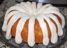 Lemon Cake Bars, Lemon Cheesecake Bars, Lemon Bundt Cake, Lemon Cake Mixes, Pound Cake, Lemon Cakes, Nothing Bundt Cake Lemon Recipe, Lemon Pudding Cake, Coconut Cakes