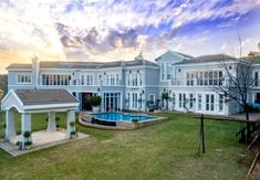 Waterfront mansion in Pretoria. Pretoria, Mansions, House Styles, Hot, Decor, Mansion Houses, Decorating, Villas, Fancy Houses