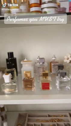 Perfume Organization, Perfume Body Spray, Perfume Display, Perfume Scents, Glow Up Tips, Best Perfume, Perfume Collection, Smell Good, Body Care
