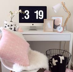 Pink, white & gold home office
