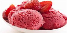 """Dondurma Severler İçin Güzel Bir """"Çilekli Dondurma"""" Tarifi!"""