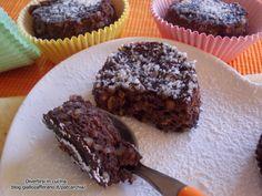 I tortini al cioccolato e ricotta sono dei dolcetti semplici da fare.Occorrono pochi ingredienti.Sono freschi e golosi. Ottimi a fine pasto insieme al caffè