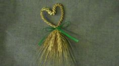 Wheat weaving: These little hearts are made with a wire core that allows you to bend the finished weaving into any shape, in this case a heart.