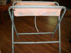 """VINTAGE 1950S AMSCO METAL DOLL E BATH WASH TUB (I had a doll """"bathinette"""" like this.)"""
