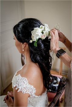 Bride getting ready | Image by Balance Photography Weddings