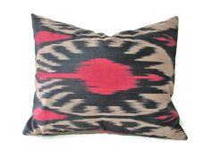 Red Ikat Pillow, Bla