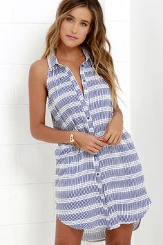 Get a jump start on your day with the Early Morning Blue and Ivory Print Shirt Dress! Cute collared dress with a blue and ivory print covers the sleeveless, bodice. Pretty Outfits, Pretty Dresses, Beautiful Outfits, Cute Outfits, Girl Fashion, Fashion Outfits, Runway Fashion, Fashion Trends, Street Style Women