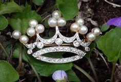 Vintage-Platinum-18k-Diamond-Pearl-Crown-Brooch-Pin