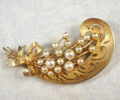 Vintage Paisley and Faux Pearl Brooch by RedsArtJewelry on Etsy, $17.50