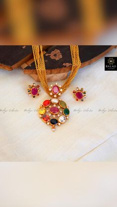Ear Jewelry, Gold Jewelry, Beaded Jewelry, Jewlery, Gold Necklace, Gold Bangles Design, Gold Jewellery Design, Indian Jewelry Sets, India Jewelry