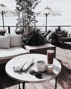 Image about summer in house by imane on We Heart It Photography Beach, Lifestyle Photography, Shabby Chic Bedroom Furniture, Summer Vibes, Vintage Designs, Beautiful Places, Modern, 1, Table Decorations