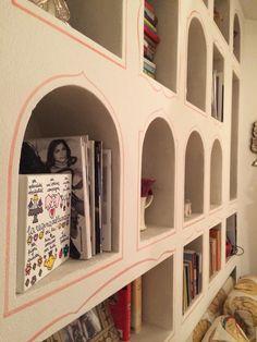 Libreria in muratura, decorazioni e finiture in stile marocchino - località: San Michele di pagana, Liguria, Italia.