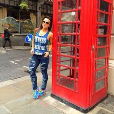 BE MORE THAN CASUAL  @alicematoss compôs um look pro dia a dia carregado de atitude com blusa FITNESS NOT A HOBBY e jeans FULLY DESTROYED   Pra ter o look da Alice acesse @labellamafiabrasil e click no link do Bio ➡️ www.labellamafia.com.br ⬅️ #labellamafia #hardcoreladies #style #fitness #fitgirls #style #casual #jeans