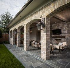 Bordley 2 - traditional - patio - houston - Thompson Custom Homes barn-to-home-conversion