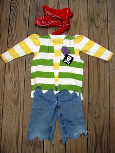 No sew pirate costume.for old clothes too worn out to pass on.No sew pirate costume.for old clothes too worn out to pass on. Diy Pirate Costume For Kids, Homemade Pirate Costumes, Diy Costumes, Costume Ideas, Pirate Crafts, Woman Costumes, Couple Costumes, Group Costumes, Adult Costumes