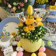 Hobbies On The Computer Easter Flower Arrangements, Easter Flowers, Christmas Candle Decorations, Easter Table Decorations, Easter Wreaths, Easter Baskets, Easter Crafts, Happy Easter, Easter Eggs