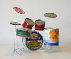 Tin Can Drum Set by Helmut Smits. Year: 2003 Materials: tin cans, metal wire Recycled Art Projects, Recycled Crafts, Art From Recycled Materials, Recycling Projects, Cd Crafts, Recycled Clothing, Recycled Fashion, Craft Projects, Homemade Drum