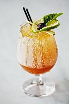 the Navy Grog–this rum cocktail does more than just fight off scurvy!