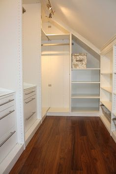 Home Attic Storage Closet Wardrobe walk-in closet Bedroom Wood flooring Property Attic Closet, Master Bedroom Closet, Bedroom Loft, Walk In Closet, Closet Doors, Girls Bedroom, Bedroom Small, Small Rooms, Design Bedroom