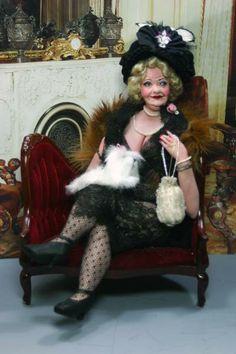 Ava (Marcia Backstrom)