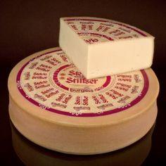 Stelvio o Stilfser DOP  Lo Stelvio o Stilfser DOP è un formaggio tirolese (Bolzano), vaccino, a pasta semidura e crosta lavata.  Si abbina a polenta o allo speck dell'Alto Adige.