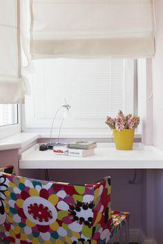 Фото дизайна интерьера гостиной в голубых тонах