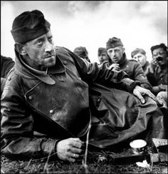 The D day (by Robert Capa, 1944)