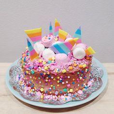 unicorn cake baked by @katherine_sabbath
