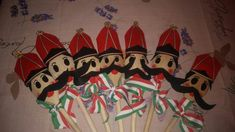 kokárda március 15 Diy And Crafts, Crafts For Kids, Arts And Crafts, Diy Projects To Try, Art Projects, Techno, Origami, Kindergarten, March