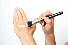 Strobing Hack #1: The 2-Minute Glow If you've only got five minutes to put your makeup on in the morning, you can give your complexion an all-over glow by mixing an illuminating liquid with your foundation. Combine equal parts highlighter like MAC Strobe Cream ($33) and foundation on your hand. Then, use a brush to apply it all over your face. The illuminator will plump up your skin and give it a 3D effect.