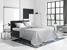 Jednoduchý oboustranný přehoz na postel v světle šedé barvě Furniture, Home Decor, House, Decoration Home, Room Decor, Home Furnishings, Home Interior Design, Home Decoration, Interior Design