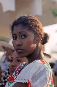 Afro-Mexicans (mexicanos negros) are Mexicans who are mostly of African ancestry. Afro-Mexicans who used to be found in every part of Mexico. Afro, African Culture, African American History, Native American, We Are The World, People Around The World, Black Is Beautiful, Beautiful People, Beautiful Women