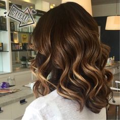 Sexy wavy bob hairstyles for any occasion. See our collection and create a variety of fun new looks. Wavy Bob Hairstyles, Pretty Hairstyles, Ombre Hair, Balayage Hair, Clavicut, Medium Hair Styles, Short Hair Styles, Caramel Hair, Brown Hair With Highlights