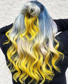 What do you say we give to your blond hair a different look? You do not want to add colorful touches to your blond hair? Colored hair increases its. Yellow Hair Color, Hair Dye Colors, Ombre Hair Color, Cool Hair Color, Blue Yellow, Blonde Ombre, Blue Hair, Hair Color For Women, Remy Hair
