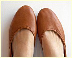 Women S Golf Shoes Clearance Ballerina Shoes, Ballet Flats, Maya, Women Oxford Shoes, Shoes Women, Thick Socks, Unique Shoes, Kinds Of Shoes, Vestidos