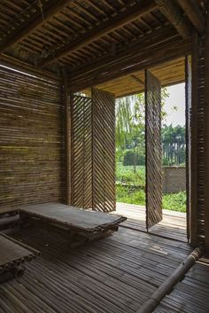 The lattice bamboo design allows plenty of natural  light and ventilation to pass into the home (Photo: Doan Thanh Ha)