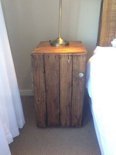 125 Awesome DIY Pallet Furniture Ideas - Page 7 of 12 - Easy Pallet Ideas Wooden Pallet Beds, Wooden Pallet Crafts, Diy Pallet Furniture, Diy Furniture Projects, Diy Pallet Projects, Furniture Plans, Diy Wood, Wood Projects, Unique Home Decor